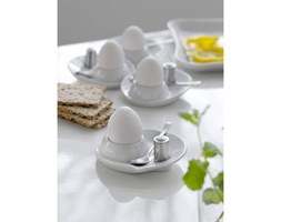 Zestaw czterech kieliszków do jajek z łyżeczką i solniczką