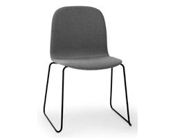 Muuto krzesło Visu z tekstylnym obiciem idealne do biura i sal konferencyjnych
