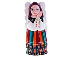 Rzeźba z drewna - modlący się anioł w stroju ludowym - 25 cm