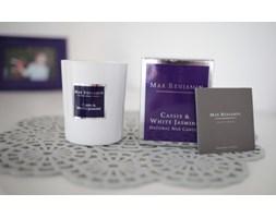 Cassis and white jasmine