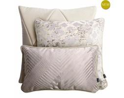 Kremowo różowy zestaw poduszek dekoracyjnych Touch + Glow