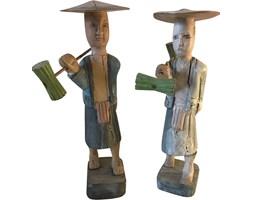 Par drewnianych rzeźb, lata 60.