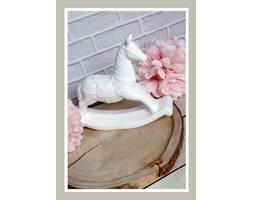 Biały konik ceramiczny