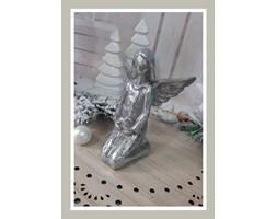 Anioł srebrny klęczący 17 cm